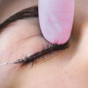 MicroTapping eyelilner